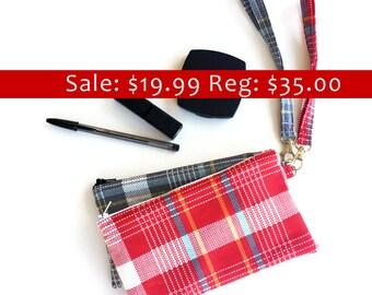 SALE - Wristlet Purse - Flanel - Wristlet - Red & Blue - Zipper Pouch - Stocking Stuffers