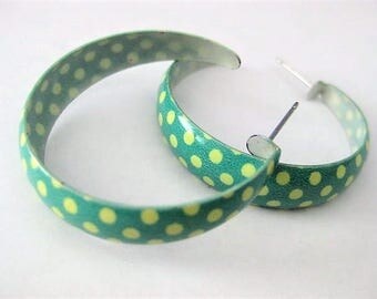 Vintage Jewelry ~  Earrings  Green Yellow  Hoop  metal    Pierced