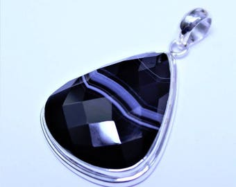 Botswana (South African) Agate Pendant in a Sterling Silver (925) Setting