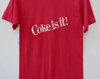 Coke is it! / 70s Graphic Tee - Coca Cola / Size SMALL S / Free Shipping