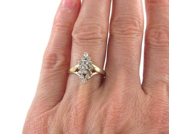14k Yellow Gold Ladies Cluster Design Diamond Ring Size 6 1/4 0.75 carats