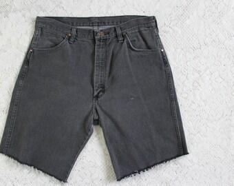 70s Black Faded Men's Jorts // Vintage Wrangler Denim Jean Cut Offs Shorts // Size: 33
