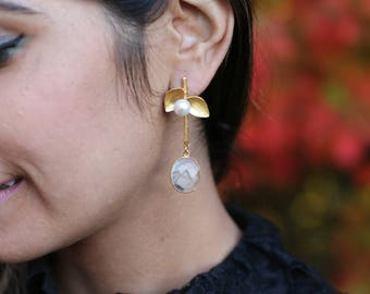 NATURAL CRYSTAL QUARTZ Pearl leaf drop Earrings/ Handmade / Gold Plated / Gifts for her