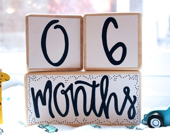 Baby Age Blocks - Baby Milestone Blocks - Baby Photo Props - Monthly Baby Blocks - Baby Accessories - Baby Gift - Nursery Decor