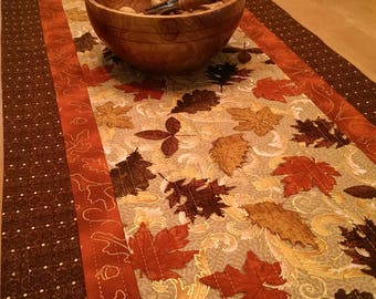 Good Quilted Harvest Table Runner, Maple Leaf Table Runner, Fall Table Decor,  Autumn Kitchen