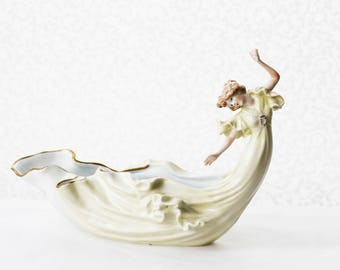 Magical Jugendstil-style porcelain Figurine (RARE), depicting a Nymph whose dress floats into a Vase-shape, PMP Schierholz, Germany, 1980s