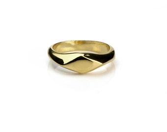gold pinky ring,signet ring, rhombus ring, small signet ring, small ring, gold signet ring, diamond shape ring