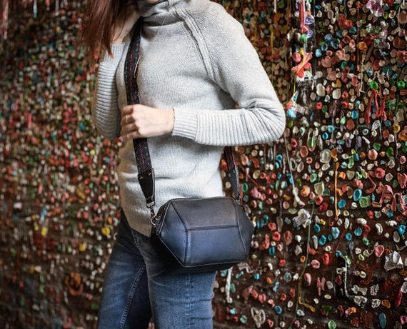 Black Crossbody Bag, Vegan Leather Shoulder Bag, Geometric Purse, Minimalist Structured Bag, Vegan Crossbody purse, Valentine's Gift for her