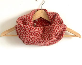 Scarlet Daisy Design Snood Cowl Knitted in Supersoft Lambswool