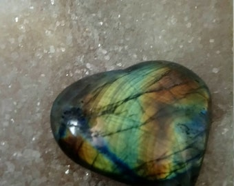 Green yellow Labradorite 113,40 Gr-heart