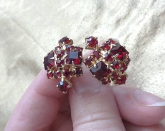Vintage Ruby Red Rhinestone Screw back Earrings