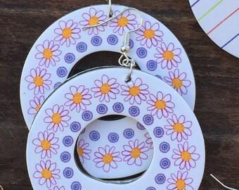 Cardboard earrings-white flowers