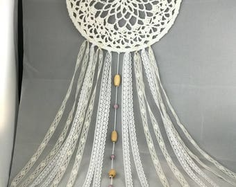 READY TO SHIP - Gorgeous white dream catcher - crochet / gift