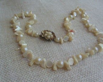 Vintage Pearl and Shell Chip Bead Necklace, Single Strand, Off White Necklace, Wedding Accessory, Vintage Wedding, Beach Theme Wedding
