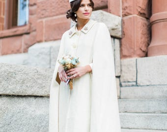 THE DOTTIE CAPE | Vintage Cape | Ivory Wool Cape | Sleeveless Coat | Knee-Length Coat | 1960s Wedding | Sixties Style | Winter Wedding