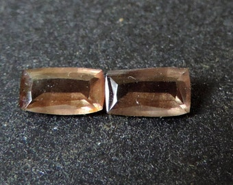 Two Garnet color change, 2 rectangle 1.4 cts. #2CG 4