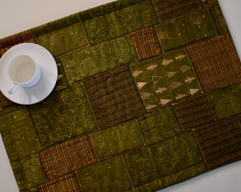Green & Gold Christmas Quilted Placemats - SET of 4