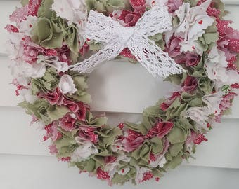 """Heart wall decor """"spirit of Christmas"""" fabric shades red, green and white - only one"""