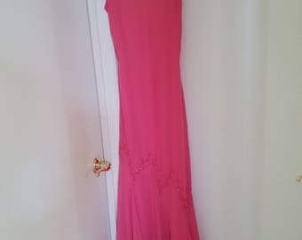 Stunning! Classic 1960's/1970's Fashion - Pinkish Coral Slinky Beaded Floor Length Evening Gown/Party Dress - Brand: Bianchi - Size Small