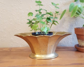 Vintage brass planter with scalloped body.  Retro brass bowl.
