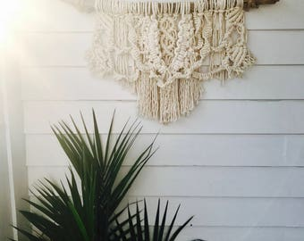 Macrame on Driftwood (Wall Hanging, Wall Decor)