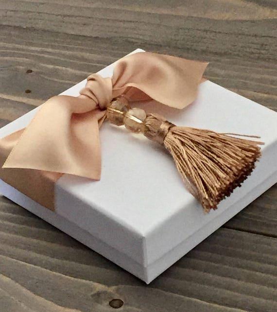 Tassle Wedding Favor - Tassle Gift Box - Tassle Favor - Dinner Favor - Christmas Ornament Box - Ornament Box - Party Favor Box - Party Box