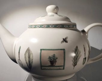 Pfaltzgraff Teapot. Pfaltzgraff Naturewood Pattern. Vintage Teapot.