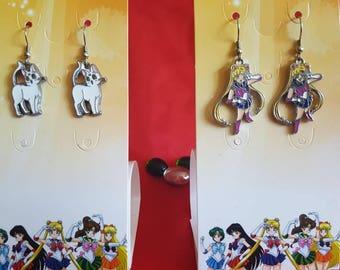 Sailor Moon charm earrings. Choose from 5 characters Artemis, Sailor Jupiter, Sailor Mars, Sailor Venus. Cute fangirl anime fan jewelry.
