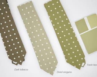 retro polka dot,yellow green tone neck-tie,light green solid shade plain color,chartreuse wedding,accessory groom, groomsmen,men,vintage tie