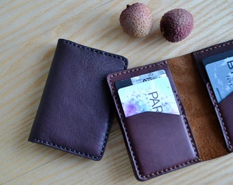 Credit card case in Horween leather / Wallet, business card, purse in eggplant color Horween leather