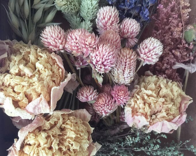 Bloomery Blend No. 0013: Mixed Dried Flower Bunches & Peony Flower Heads /  Pink - Yellow - Green - Lavender