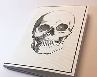 "Pocket size Journal (4,13 x 5,82 inches) Design: ""Skull"""