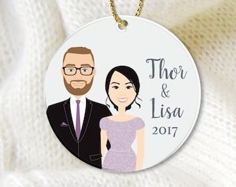 Engagement Ornament Portrait / Christmas Newlywed Portrait / First Christmas Gift, Couple Wedding Gift, Housewarming ▷ Ceramic {or} Aluminum
