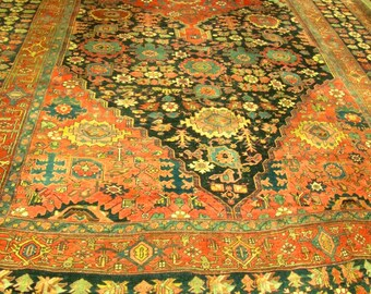 Magnificent Antique Persian Bedjar Oriental Rug.
