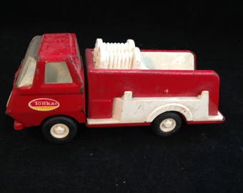 Vintage Small 5 3/4 Inch Tonka Fire Truck Red and White    01691