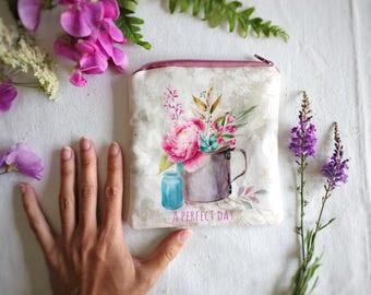 Porte-monnaie shabby, petite trousse en tissu maquillage, tissu fleuri, petite pochette fleurie, idée cadeau femme, accessoire voyage sac