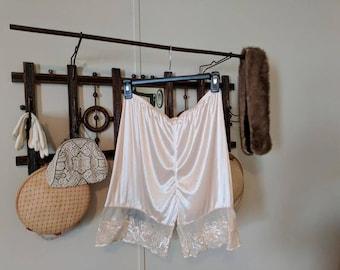 Vintage Bloomers - Pettipants - Tap Pants - Granny Panties