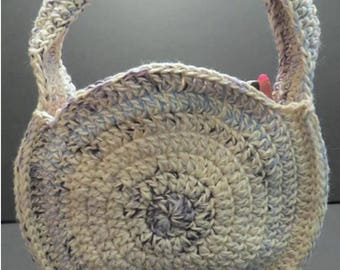 Round crocheted, two-tone purse