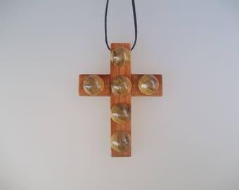 Wooden pendant necklace