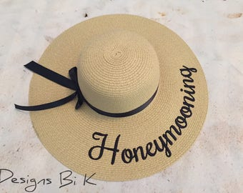 Honeymoon hat, Personalized sun hat, Straw hat, Beach hat, Custom beach floppy hat, Newlywed, Honeymoon, Gift for bride, Bridal shower gift