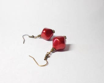 Drop earring red Pearl glass beads