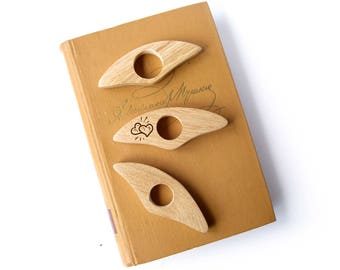Book Holder / Wooden Page Holder / Thumb book / Book Gadget / Thumb Bookmark / Bookworm / Book Lover Personalozed Gift