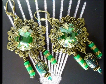 "Earrings Baroque""Emerald"". "" Bronze metal filigree, abalone, glass cabochon, vintage beads"