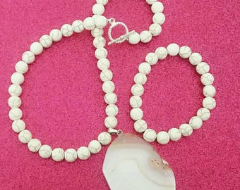 Ladies White Howlite & Stone Beaded Necklace and Bracelet Set, anniversary gift, birthday gifts, stocking stuffers, gifts under 50