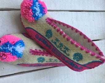 Traditional Greek slippers with non slip leather sole size 38 UK 5 1/2