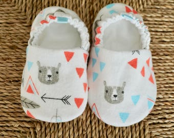 Tribal Baby Shoes, Crib Shoes, Soft Sole Baby Shoes, Baby Bootie, Baby Moccs, Baby Moccasins, Baby Booties, Baby Shower Gift, Baby Girl
