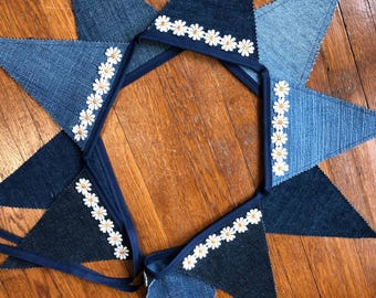 BLUE JEANS & DAISY Repurposed Bunting Banner Garland,Country,Primitive,Rustic Decor,Photo Prop Backdrop,Birthday Party,Bedroom,Vintage