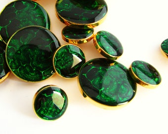 Golden and green button, vintage shank buttons with emeral green top, 15 mm or 25 mm, unused!!