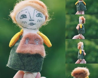 Sinead- Smallest Scribbles Mini Art Doll