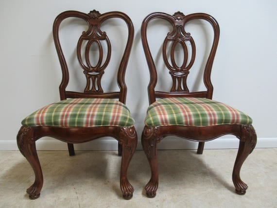 Pair of Thomasville Mahogany Oversized Carved Dining Room Side Chairs   B